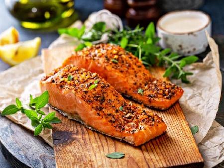 Печено филе от риба сьомга с дижонска горчица, мед, масло, галета и орехи на фурна - снимка на рецептата